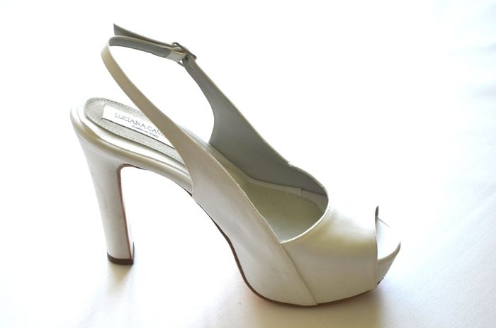 Scarpe Su Misura Sposa.Scarpe Su Misura Luciana Cavalli Moda Nozze Forum Matrimonio Com