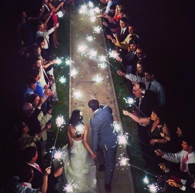 Matrimonio Spiaggia Calabria : Stelline luminose al taglio della torta página