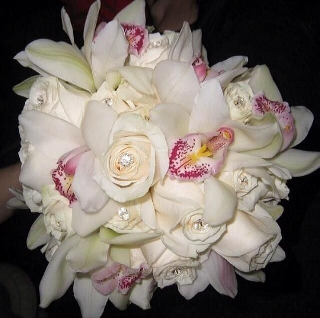 bouquet sposa orchidee e rose bianche