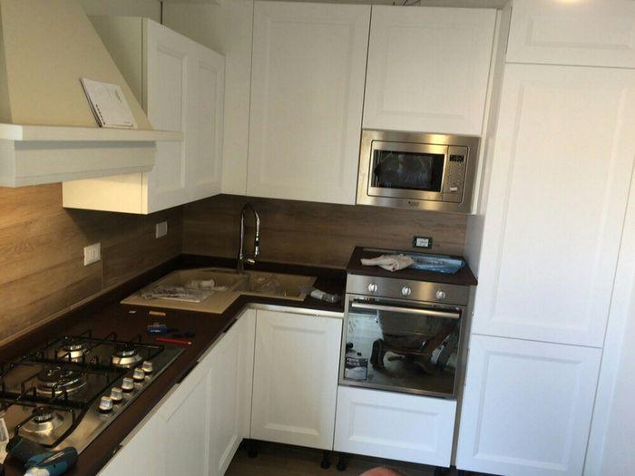 Gres effetto legno comodo da pulire vivere insieme forum - Rivestimento cucina effetto legno ...