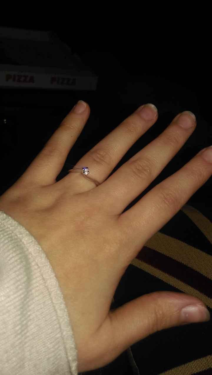 Meno 17 mesi,  proposta di matrimonio con anello - 1