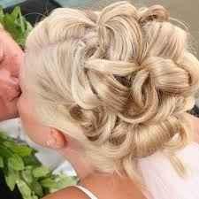 acconciatura sposa corto