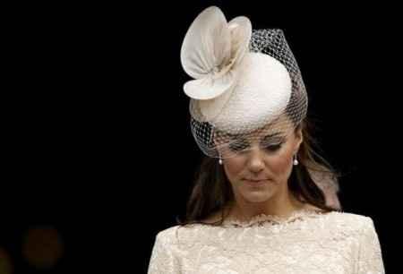 Kate con cappello