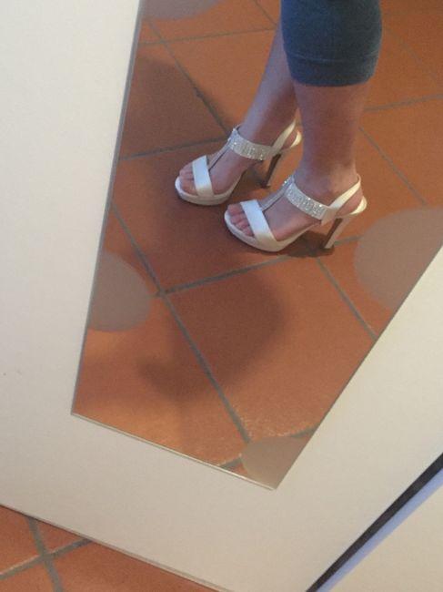 Adora le mie scarpe schiavo 8