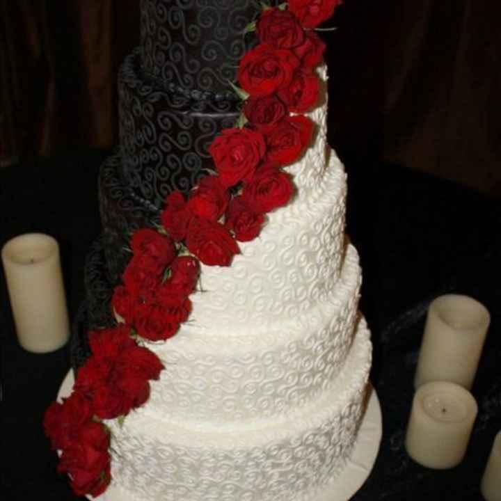 Torta nuziale: bianca, colorata o... - 1