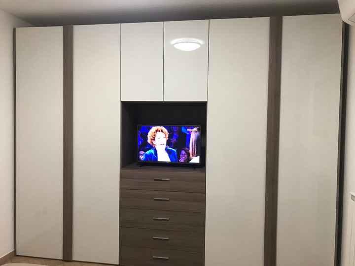 Armadio  con tv incorporata e senza specchio - 1