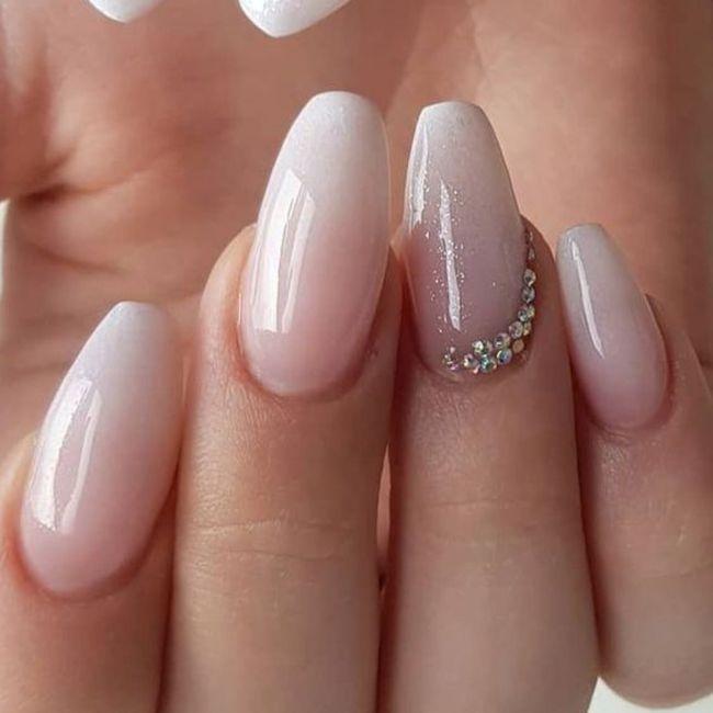 Che tipo di manicure?? 3