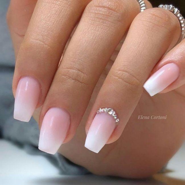 Che tipo di manicure?? 8