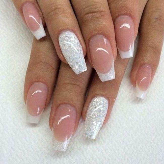 Che tipo di manicure?? 9