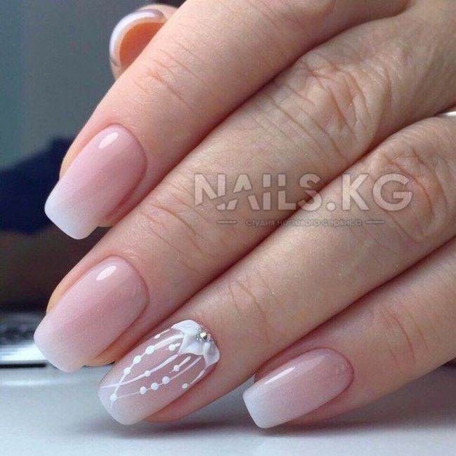 Che tipo di manicure?? 10