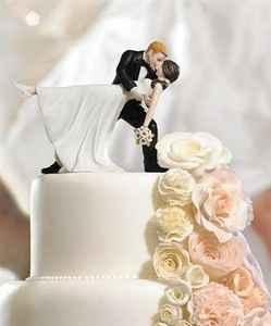sposi sulla torta