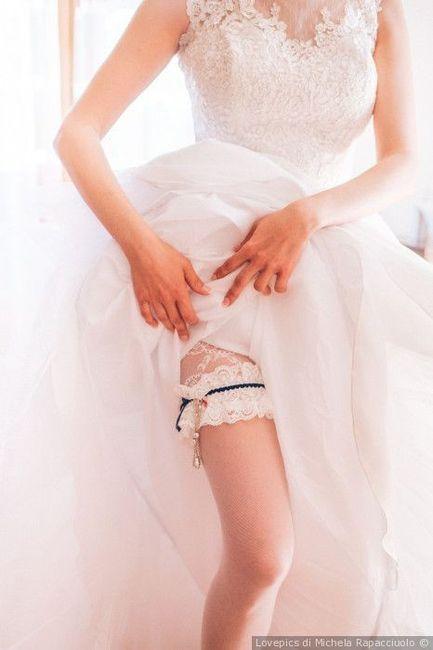 Promosse o bocciate: le calze per la sposa 1