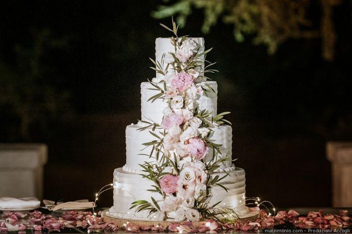 Quali decorazioni preferisci per la torta nuziale? 1