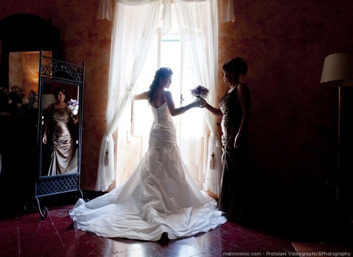 In quale caso la sposa può guardarsi allo specchio con l'abito? 1