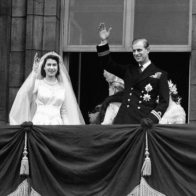 ¡La Reina Isabel II y Felipe de Edimburgo celebran  72 años de casados! 👰🤵 1