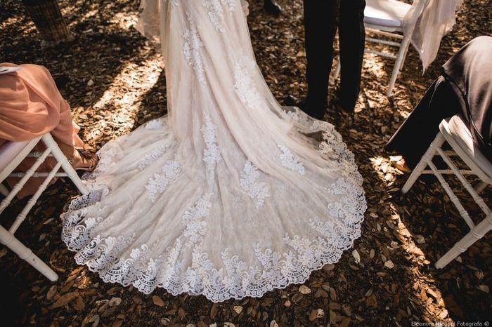Il vostro vestito da sposa ha la coda? 1