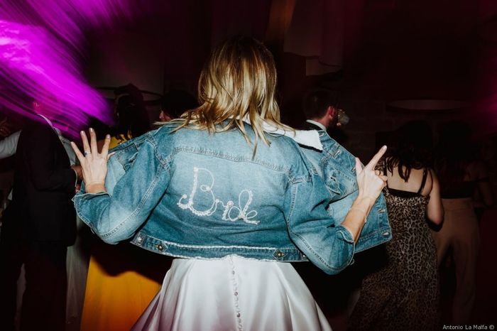 Giacca di jeans come accessorio sposa: sì o no? 1