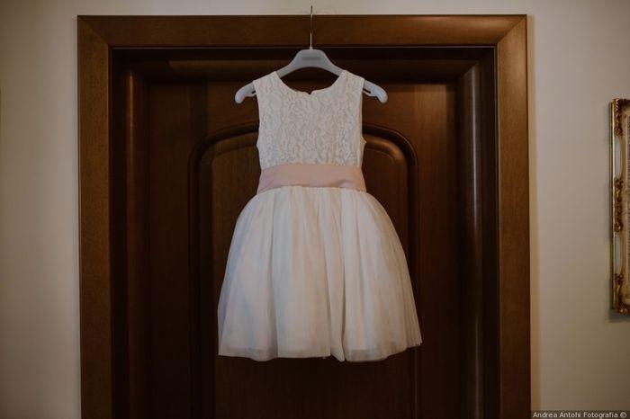 Scegli il colore dei vestiti delle damigelle d'amore che preferisci 🏳️🌈 1