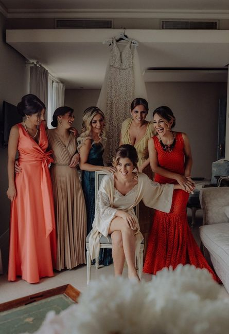 Scegli il colore dei vestiti delle damigelle d'amore che preferisci 🏳️🌈 11
