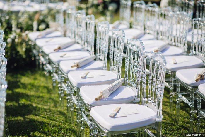 Quale gadget lasciare sulle sedie degli invitati durante la cerimonia? 1