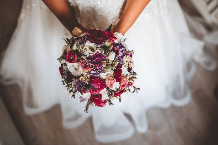 Bouquet sposa: bianco, colorato o... 2