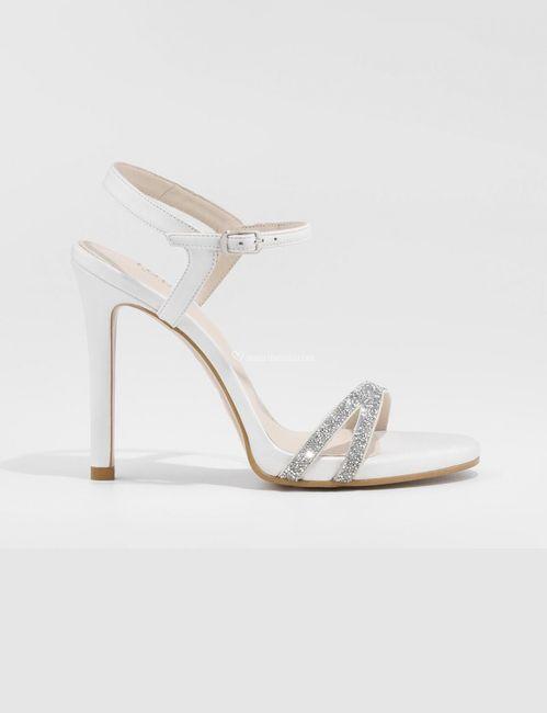 Scegli le scarpe da sposa più adatte a te 2