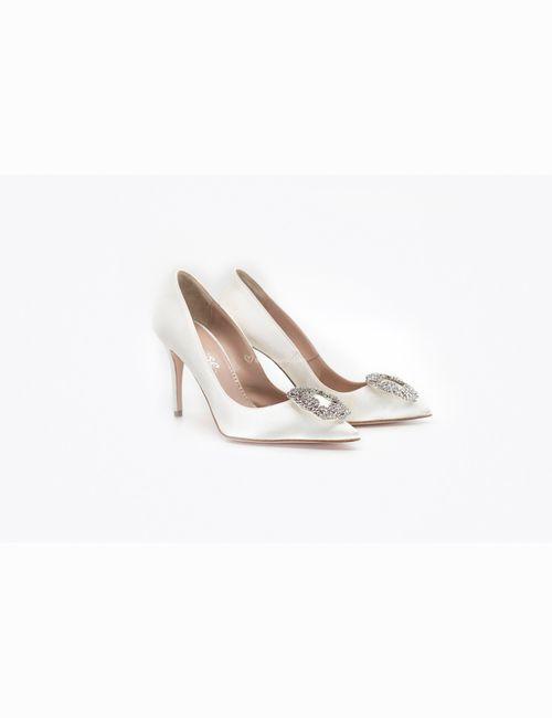 10 scarpe da sposa classiche per le tue nozze 7