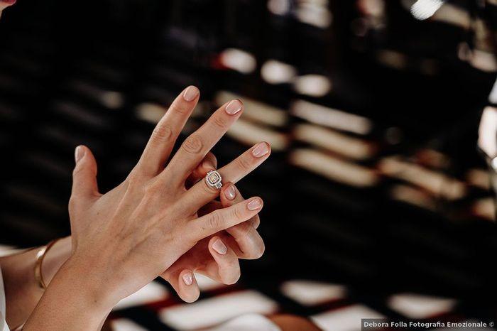 Dai un voto a questa manicure sposa 1