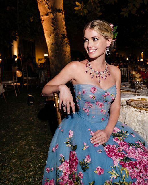 Nozze reali in Italia per la nipote di Lady D: Kitty Spencer e il suo abito principesco 4