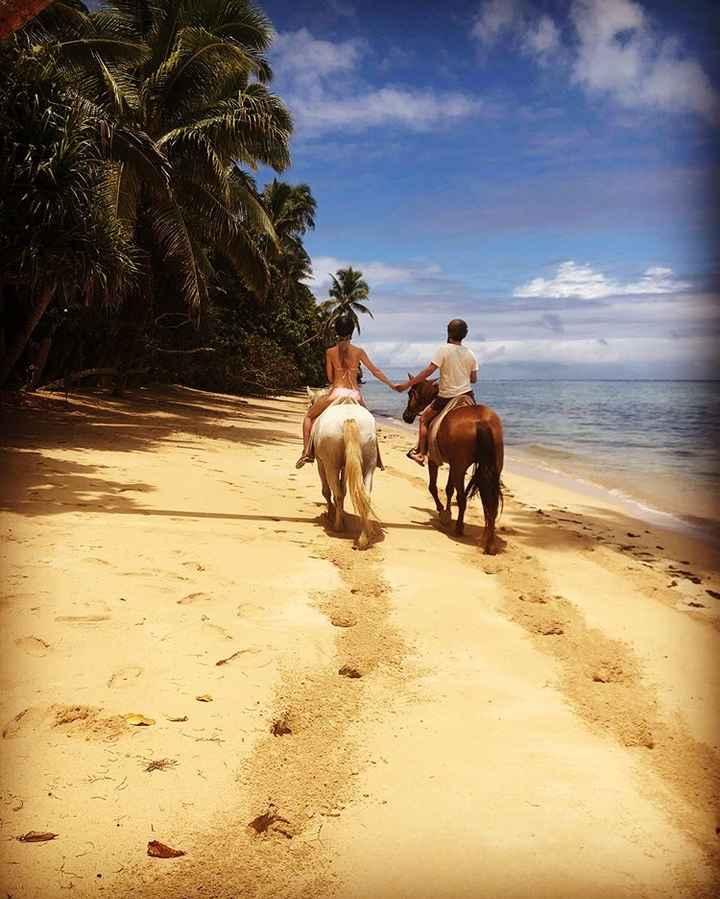 La proposta di matrimonio alle Fiji di Matt Bellamy e Elle Evans