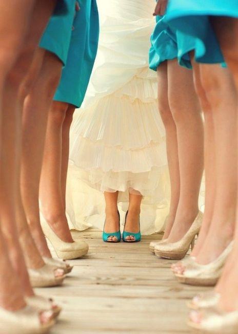 Sposa Scarpe Colorate.Le Scarpe Della Sposa Colorate O Bianco Neutre Moda Nozze