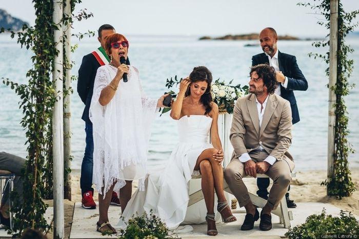 F) Abito da sposo di Claudio