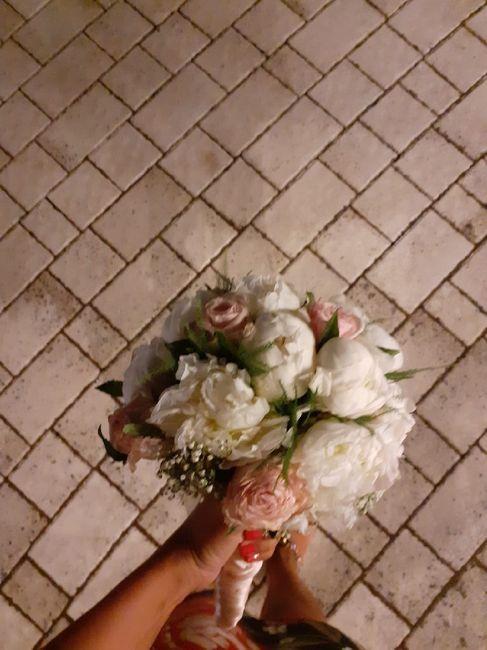 Voi da qundo vi siete fidanzate hai matrimoni k siete andate quant bouquet  avete preso 😁💪 - 1