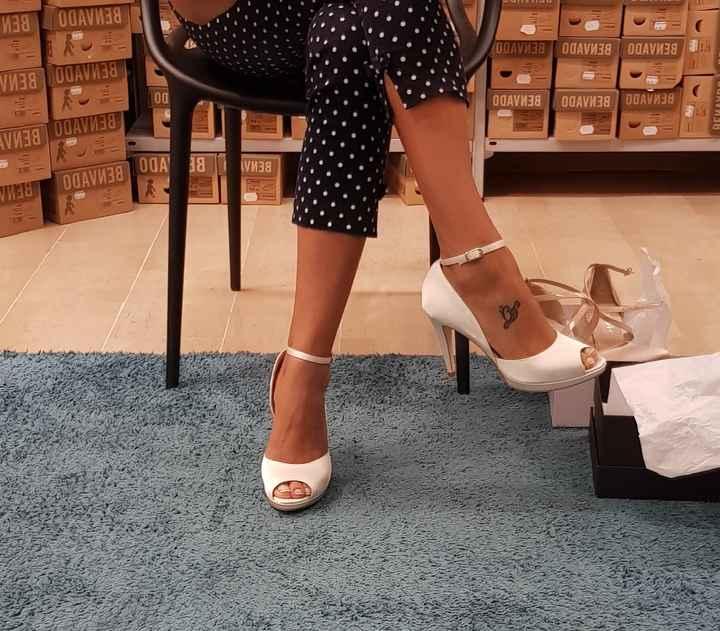 Scarpe bianche oppure nude? - 1