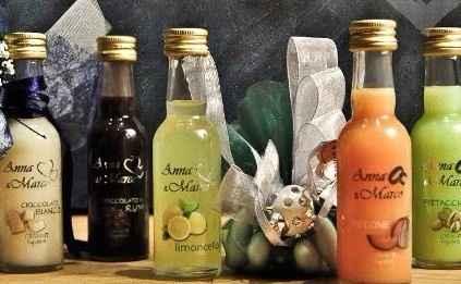 Set 3 bottigliette di liquore (cioccolato - cocco - melone)