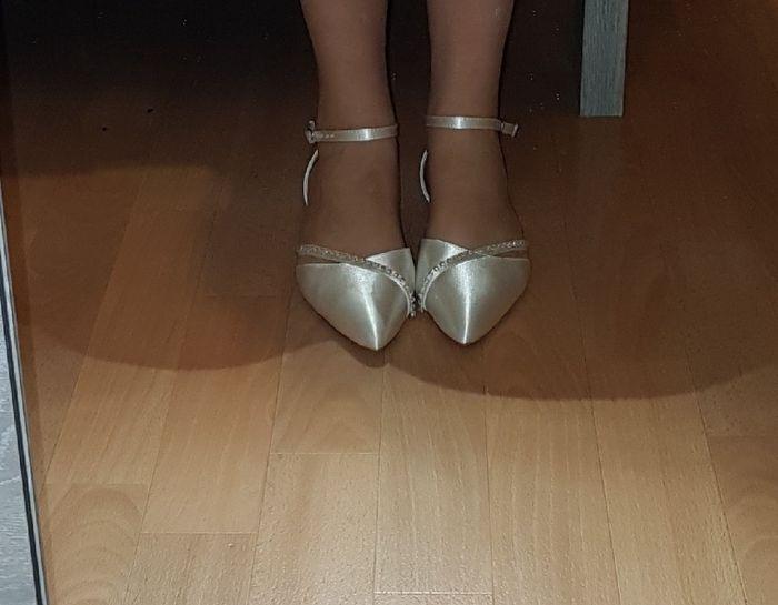 Chi si è sposata con scarpe/sandali bassi?? 2