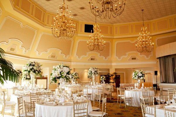 Matrimonio Tema Oro : Matrimonio in oro e bianco organizzazione