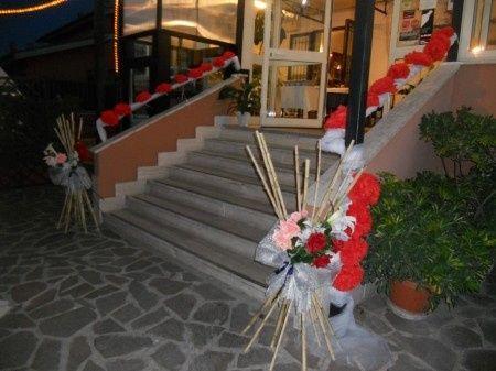 Fiori finti e decorazioni alternative organizzazione - Decorazioni fiori finti ...