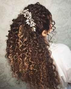 Sposa con capelli ricci lunghi!!! acconciatura help - 1