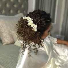 Sposa con capelli ricci lunghi!!! acconciatura help - 2