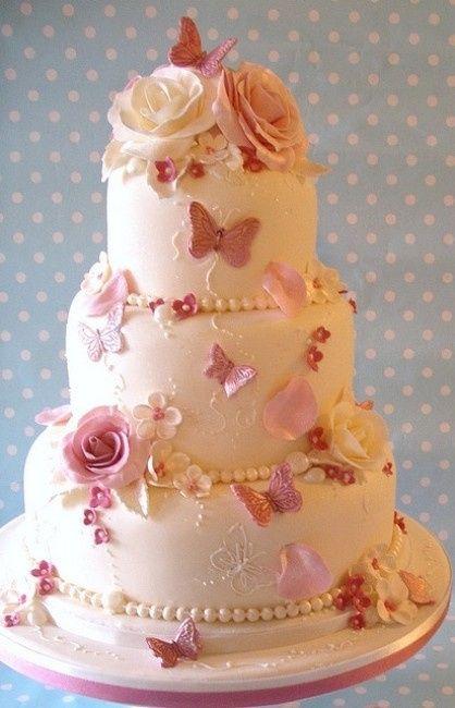 Una torta uno stile 10 torte nuziali per 10 stili di for Design a 2 piani