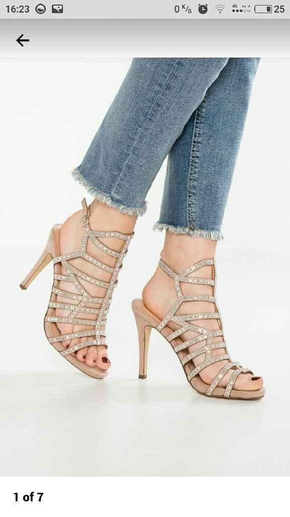 Votate le scarpe. - 2