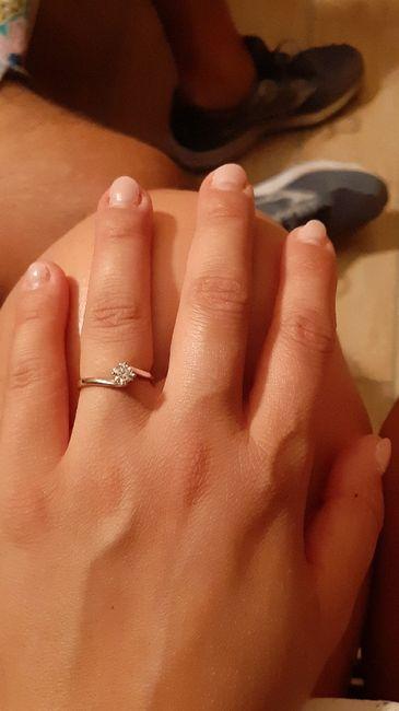 E ora mostraci una foto del tuo anello di fidanzamento! - 2