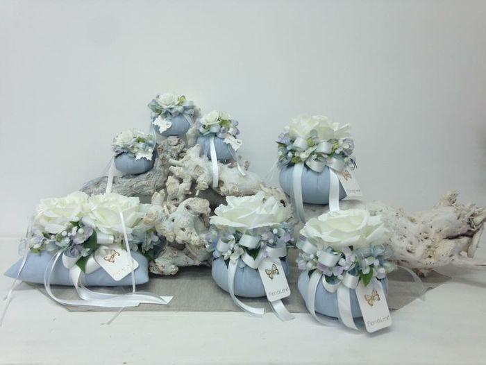 Segnaposto Matrimonio Azzurro : Bomboniere fiori di lena organizzazione matrimonio