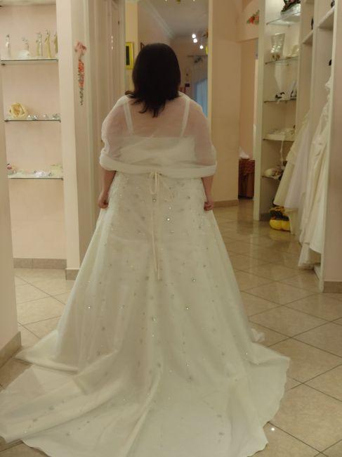 il mio vestito dietro....