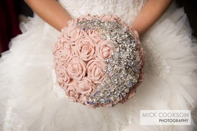 Bouquet Sposa Con Swarovski.Nuovo Bouquet E Definitivo Organizzazione Matrimonio