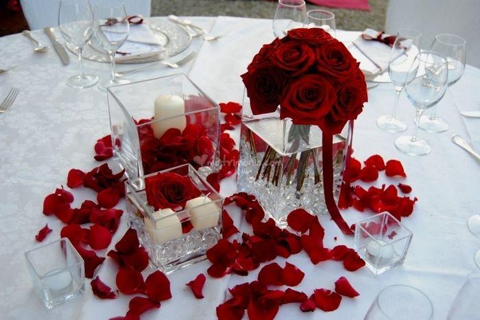 Matrimonio Tema Rosso : Centrotavola matrimonio rosso foto