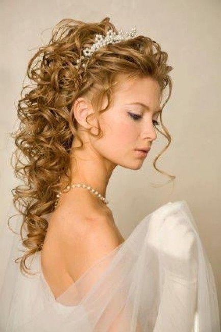 Acconciature ricce capelli lunghi