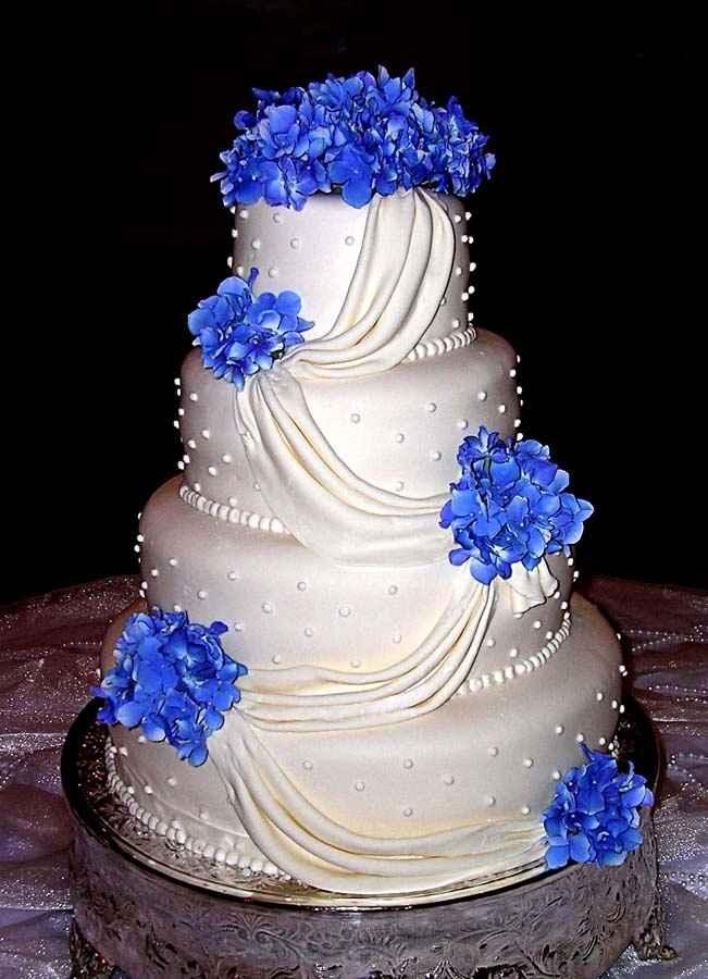 Torta bianca e blu