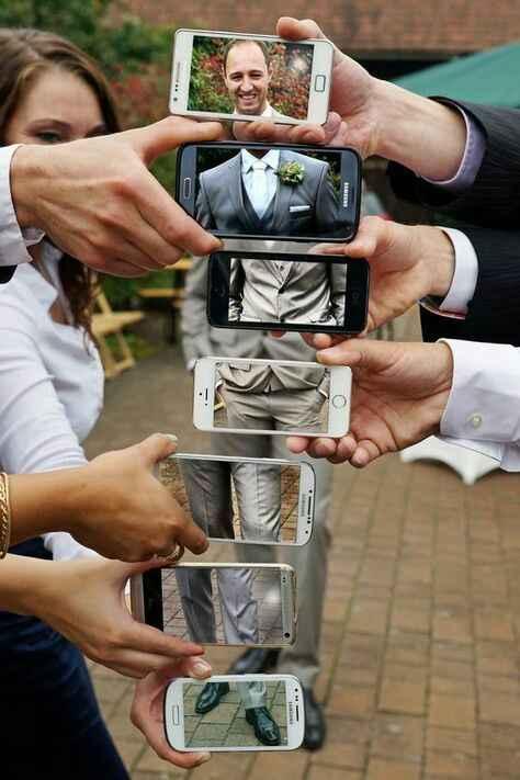 Idea foto sposo con smartphone